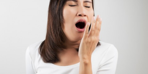 tired-woman-yawning