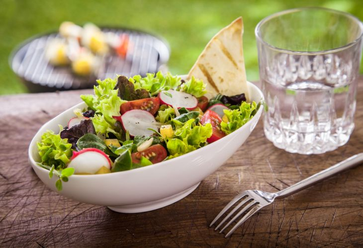 healthy-salad-and-glass-of-water