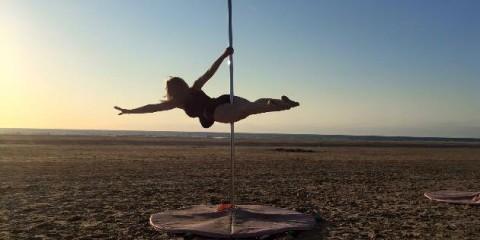 me-pole-dancing-superman