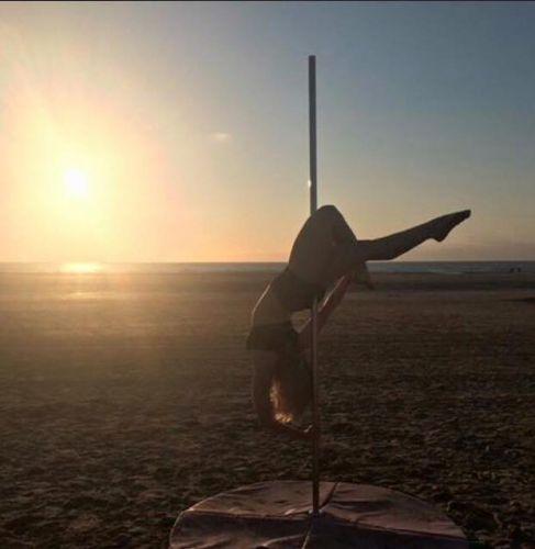 me-pole-dancing