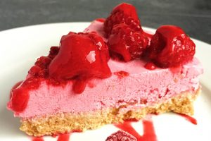Gluten-free-healthy-cheesecake-coconut-raspberry-lemon